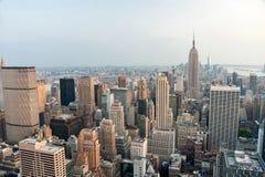 Πόλη της Νέας Υόρκης, Ηνωμένες Πολιτείες Πανοραμική άποψη του skylin του Μανχάταν Στοκ Φωτογραφία