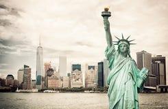 Πόλη της Νέας Υόρκης και άγαλμα ελευθερίας Στοκ Φωτογραφίες