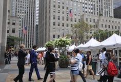 Πόλη της Νέας Υόρκης, στις 3 Αυγούστου: Αγορά σφονδύλων στο Rockefeller Plaza στο Μανχάταν στην πόλη της Νέας Υόρκης Στοκ Φωτογραφία