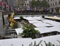 Πόλη της Νέας Υόρκης, στις 3 Αυγούστου: Η αίθουσα παγοδρομίας από Rockefeller Plaza στο Μανχάταν στην πόλη της Νέας Υόρκης Στοκ φωτογραφία με δικαίωμα ελεύθερης χρήσης