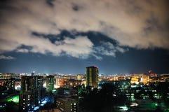 Πόλη τη νύχτα, πανοραμική σκηνή στοκ εικόνες