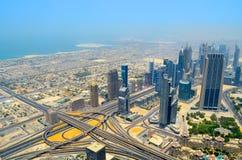 Πόλη του Ντουμπάι, άποψη από την κορυφή στεγών Στοκ Φωτογραφία
