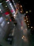 Πόλη, φω'τα βροχής, γυαλί, νύχτα, περίληψη, γραφείο Στοκ Φωτογραφίες