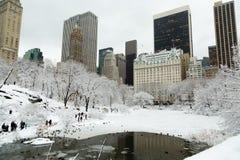 Πόλη Central Park της Νέας Υόρκης στο χιόνι Στοκ φωτογραφία με δικαίωμα ελεύθερης χρήσης