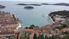 Πόλη Hvar, Κροατία προς την αδριατική θάλασσα από το φρούριο Spanjola Στοκ εικόνες με δικαίωμα ελεύθερης χρήσης