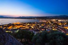 Πόλη Nafplio στο σούρουπο στοκ εικόνες