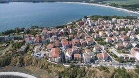Πόλη Primorsko και η νότια παραλία άνωθεν Στοκ Εικόνα
