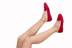 Πόδια και κόκκινα παπούτσια Στοκ εικόνες με δικαίωμα ελεύθερης χρήσης