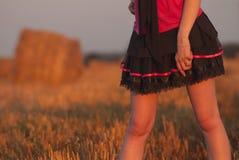 Πόδια νέων κοριτσιών Στοκ εικόνα με δικαίωμα ελεύθερης χρήσης