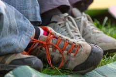 πόδια πάνινων παπουτσιών Στοκ φωτογραφία με δικαίωμα ελεύθερης χρήσης