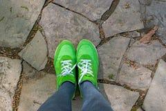 Πόδια στο δρόμο Στοκ Φωτογραφία