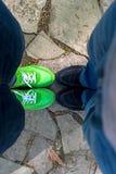 Πόδια στο δρόμο Στοκ Εικόνες