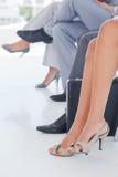 Πόδια των επιχειρηματιών στη γραμμή Στοκ εικόνα με δικαίωμα ελεύθερης χρήσης
