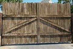 πύλη ξύλινη Στοκ εικόνες με δικαίωμα ελεύθερης χρήσης