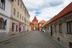 Πύλη πύργων εισόδων στην παλαιά πόλη Cesky Krumlov Στοκ φωτογραφίες με δικαίωμα ελεύθερης χρήσης