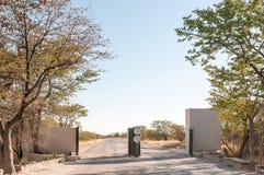 Πύλη στο στρατόπεδο υπολοίπου Halali Στοκ Εικόνες