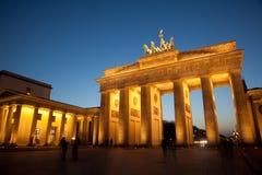 πύλη του Βερολίνου Βραδ& Στοκ Εικόνες