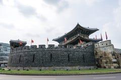 Πύλη Paldalmun του suwon στοκ εικόνα