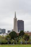 Πύργοι γραφείων του Σαν Φρανσίσκο Στοκ Εικόνες