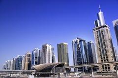 πύργοι λιμνών του Ντουμπάι jumeirah Στοκ Εικόνες