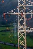 Πύργοι και ηλεκτροφόρα καλώδια με diverter Στοκ εικόνες με δικαίωμα ελεύθερης χρήσης