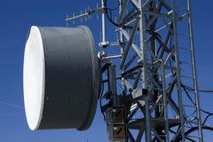 Πύργοι και κεραίες για την επικοινωνία Στοκ Φωτογραφία
