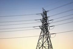 Πύργοι μετάδοσης εναλλασσόμενου ρεύματος στοκ φωτογραφία με δικαίωμα ελεύθερης χρήσης