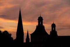 Πύργοι του υποβάθρου ηλιοβασιλεμάτων βραδιού της Βόννης Γερμανία Στοκ φωτογραφίες με δικαίωμα ελεύθερης χρήσης