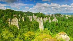 Πύργοι ψαμμίτη στην πόλη βράχου Hruboskalsko, Βοημίας επιφύλαξη φύσης παραδείσου, Τσεχία στοκ φωτογραφία με δικαίωμα ελεύθερης χρήσης