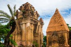 Πύργοι Ponagar τούβλου cham σε Nha Trang, Βιετνάμ Στοκ εικόνα με δικαίωμα ελεύθερης χρήσης