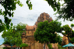 Πύργοι Ponagar τούβλου cham σε Nha Trang, Βιετνάμ Στοκ Εικόνες