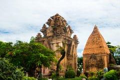 Πύργοι Ponagar τούβλου cham σε Nha Trang, Βιετνάμ Στοκ φωτογραφία με δικαίωμα ελεύθερης χρήσης