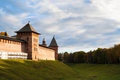 Πύργοι Veliky Novgorod Κρεμλίνο, Ρωσία Στοκ φωτογραφία με δικαίωμα ελεύθερης χρήσης