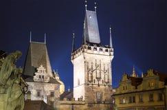 Πύργος -- άποψη από τη γέφυρα του Charles στην Πράγα, Δημοκρατία της Τσεχίας Στοκ Εικόνες