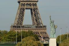 πύργος αγαλμάτων του Παρισιού ελευθερίας του Άιφελ Γαλλία Στοκ φωτογραφία με δικαίωμα ελεύθερης χρήσης