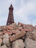 Πύργος Αγγλία του Μπλάκπουλ σε μια αστική μετα αποκαλυπτική σκηνή στοκ εικόνες