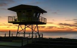 Πύργος ακτοφυλακής στην ανατολή στοκ φωτογραφίες με δικαίωμα ελεύθερης χρήσης