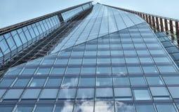 Πύργος γυαλιού - κτίριο γραφείων Στοκ εικόνες με δικαίωμα ελεύθερης χρήσης