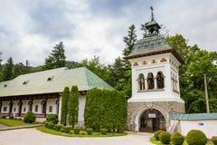 Πύργος εισόδων του μοναστηριού Sinaia στοκ εικόνα
