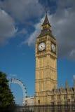 Πύργος 'Ενδείξεων ώρασ' στο Λονδίνο του Γουέστμινστερ Στοκ Εικόνα