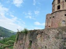 Πύργος και τοίχος του κάστρου της Χαϋδελβέργης Στοκ Εικόνες