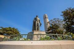 Πύργος και Christopher Columbus Coit Στοκ Φωτογραφίες
