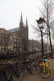 Πύργος καναλιών και εκκλησιών στο Άμστερνταμ, Ολλανδία Στοκ φωτογραφίες με δικαίωμα ελεύθερης χρήσης