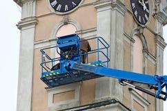 Πύργος κινητών γερανών και εκκλησιών Στοκ Φωτογραφίες