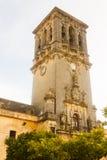 Πύργος κουδουνιών BasÃlica de Σάντα Μαρία de Λα Asuncion Στοκ Εικόνα