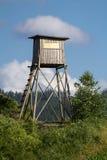 Πύργος κυνηγιού ή παρατήρησης πουλιών Στοκ εικόνες με δικαίωμα ελεύθερης χρήσης