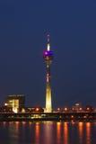 πύργος νύχτας του Ντίσελν&t Στοκ φωτογραφίες με δικαίωμα ελεύθερης χρήσης