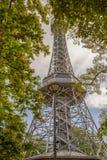 Πύργος παρατήρησης Petrin στην Πράγα, Δημοκρατία της Τσεχίας στοκ φωτογραφία