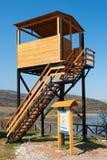Πύργος προσοχής πουλιών στοκ εικόνα με δικαίωμα ελεύθερης χρήσης