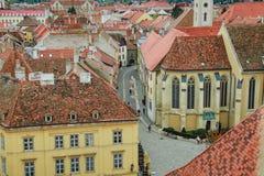 Πύργος πυρκαγιάς στο τετράγωνο της ιστορικής πόλης στην Ουγγαρία στοκ εικόνες με δικαίωμα ελεύθερης χρήσης
